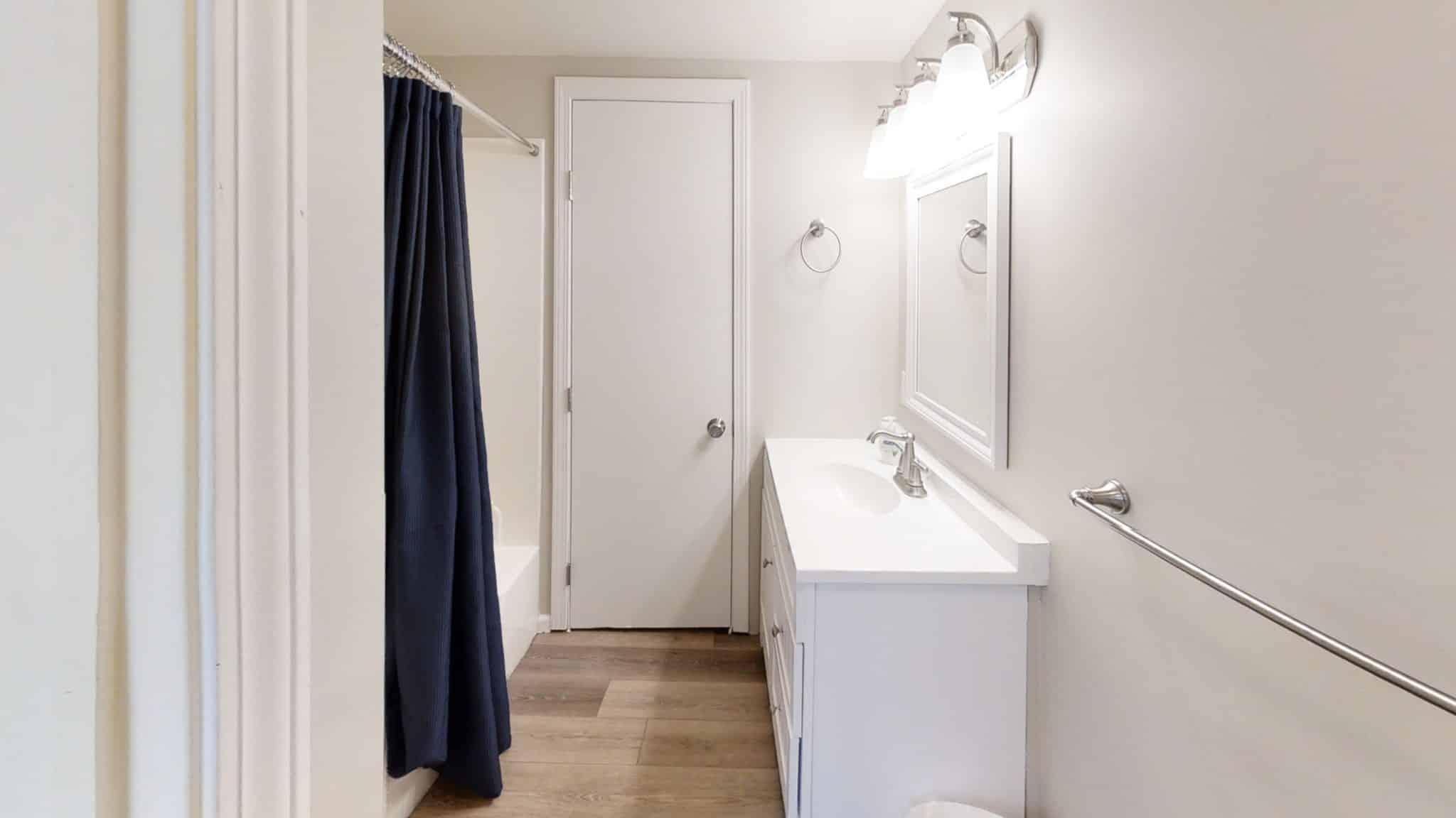 Barakel-Cottage-Bathroom
