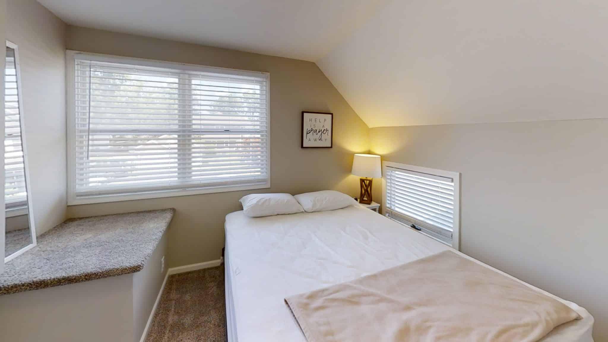 Barakel-Cottage-Bedroom