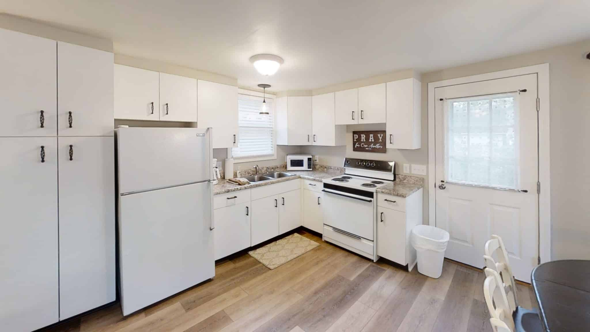 Barakel-Cottage-Kitchen