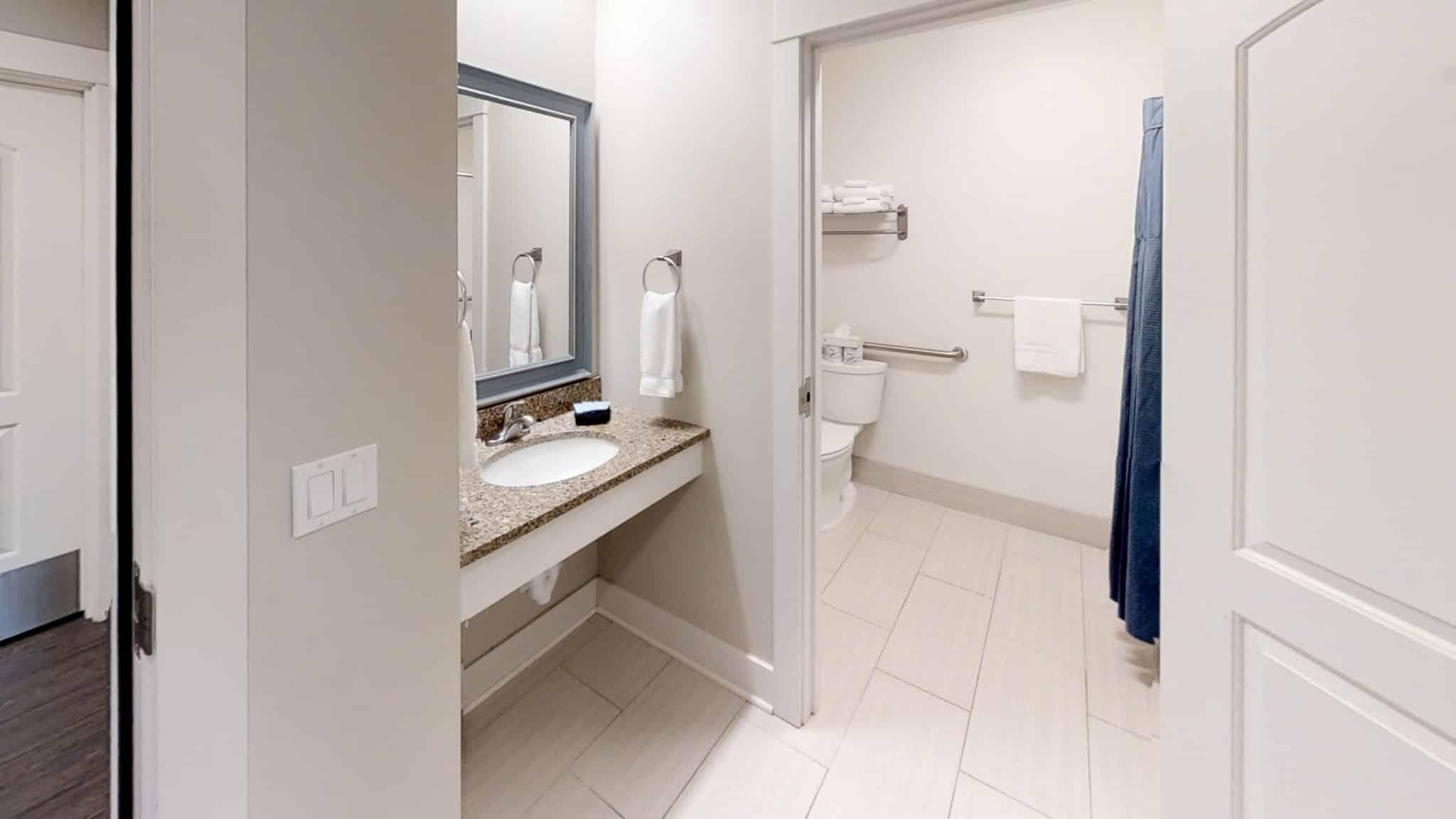 Isaac-bathroom king downstiars