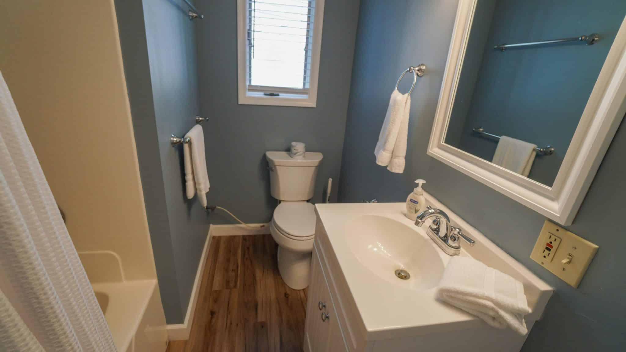 Titus bathroom